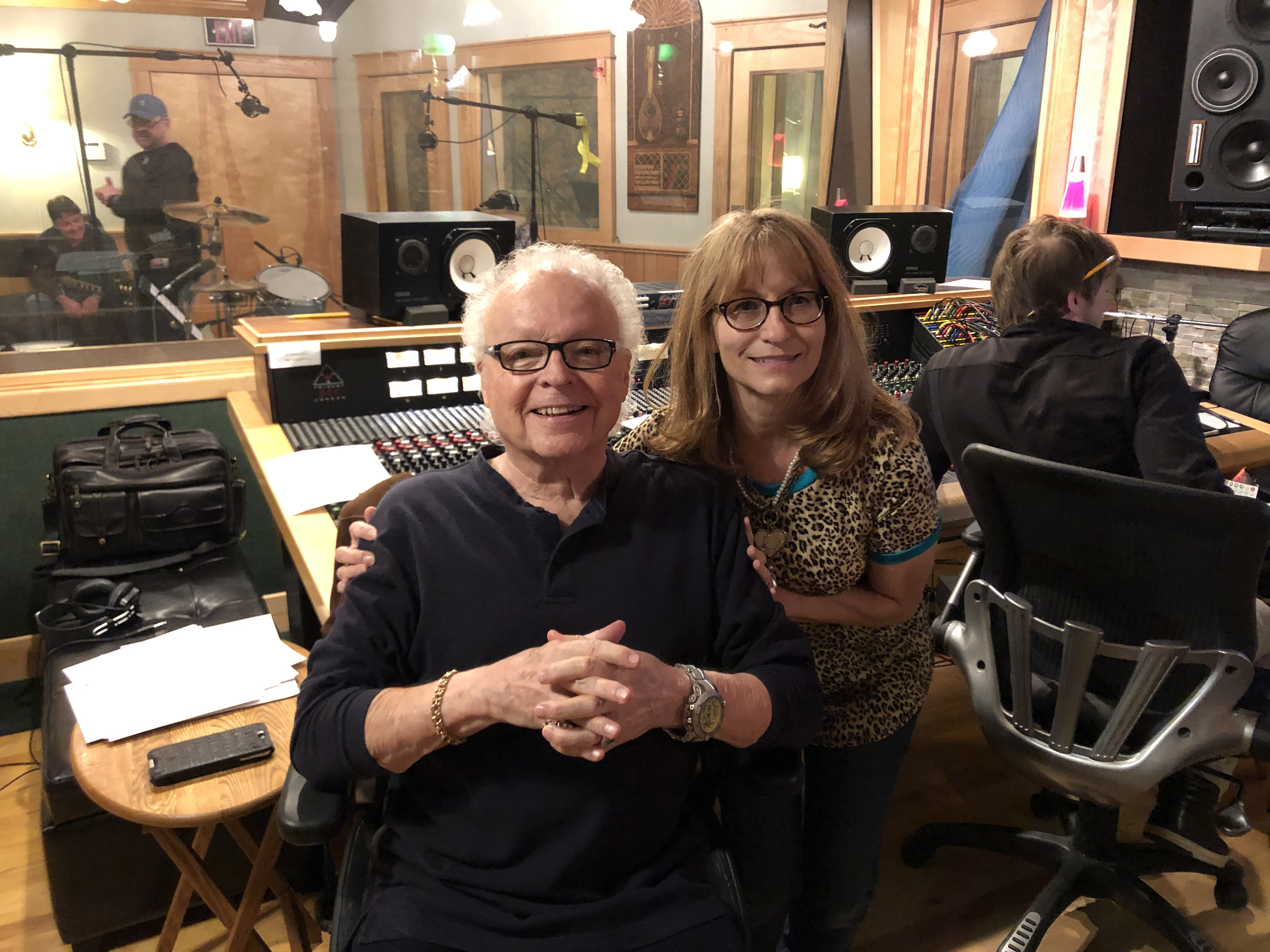 Cindy Hughlett Completes New Album With Legendary Producer Ron Oates
